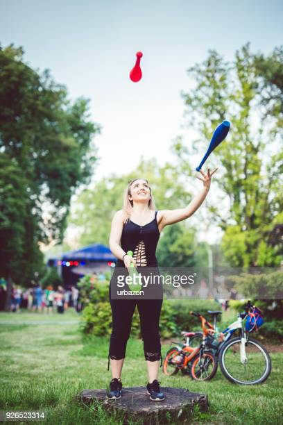 juggling - juggling stock pictures, royalty-free photos & images
