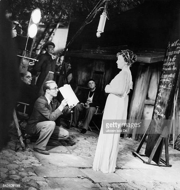 Jugo Jenny Actress Austria * in a Tobis film studio during a rehearsal for the movie 'Die Nacht with dem Kaiser' published 'Dame' 24/1936 Directed by...