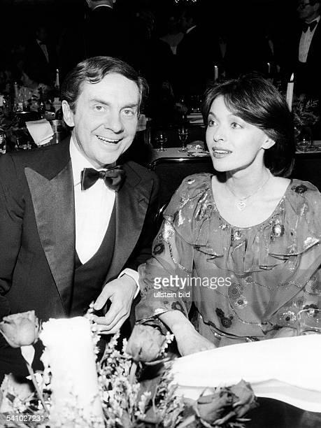 Juhnke Harald *Schauspieler Entertainer D mit Ehefrau Susanne Hsiao 1981