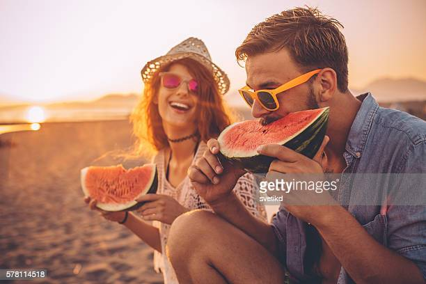 juicy and sweet summer - 20 24 jaar stockfoto's en -beelden