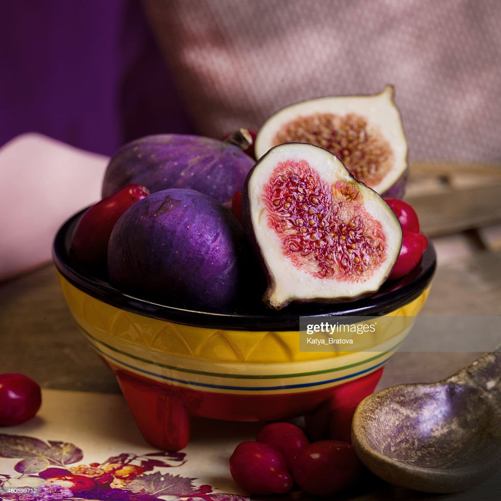 juicy figs on the table : Stock Photo