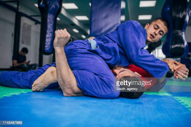jujitsu fighters - brazilian culture stock pictures, royalty-free photos & images