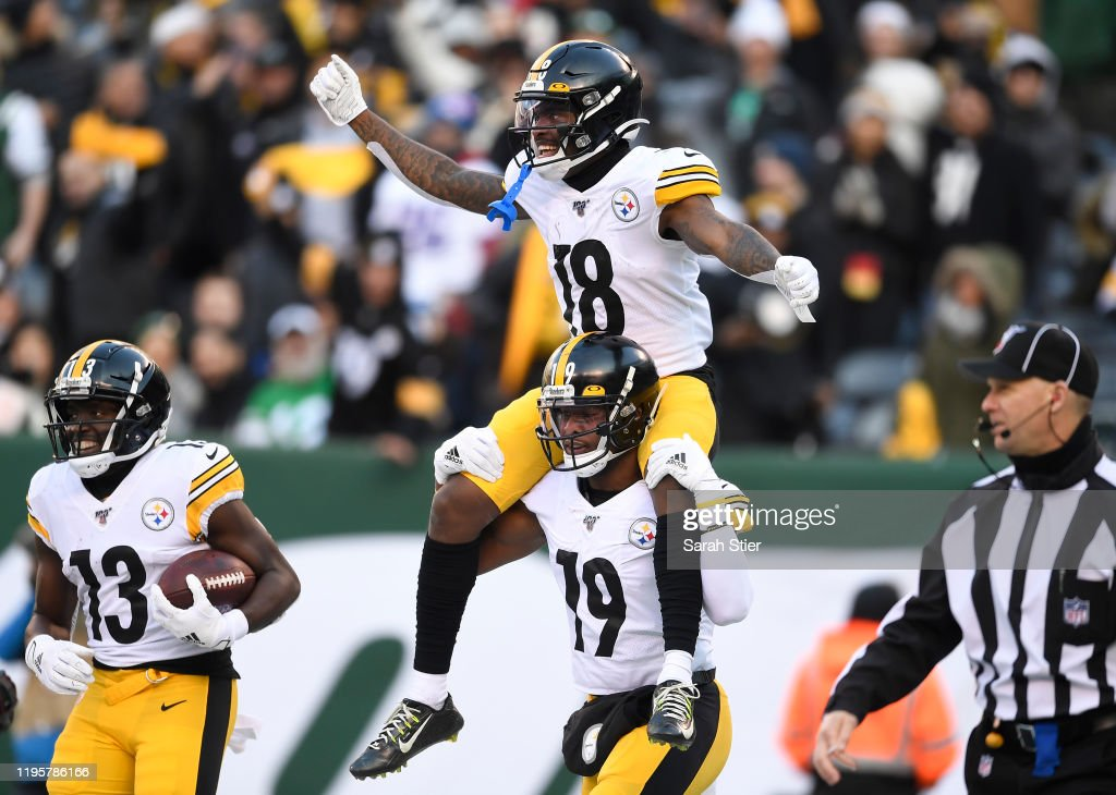 Pittsburgh Steelers v New York Jets : News Photo