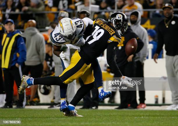 JuJu SmithSchuster of the Pittsburgh Steelers cannot make a catch as Michael Davis of the Los Angeles Chargers defends in the first half during the...