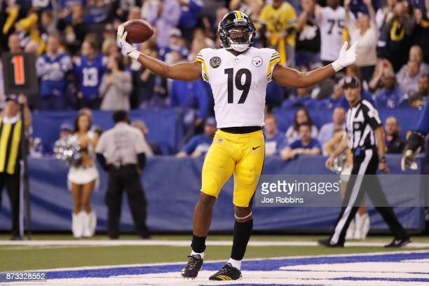 JuJu SmithSchuster of the Pittsburgh Steelers celebrates after a touchdown against the Indianapolis Colts during the second half at Lucas Oil Stadium...
