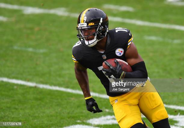JuJu Smith-Schuster of the Pittsburgh Steelers in action during the game against the Houston Texans at Heinz Field on September 27, 2020 in...