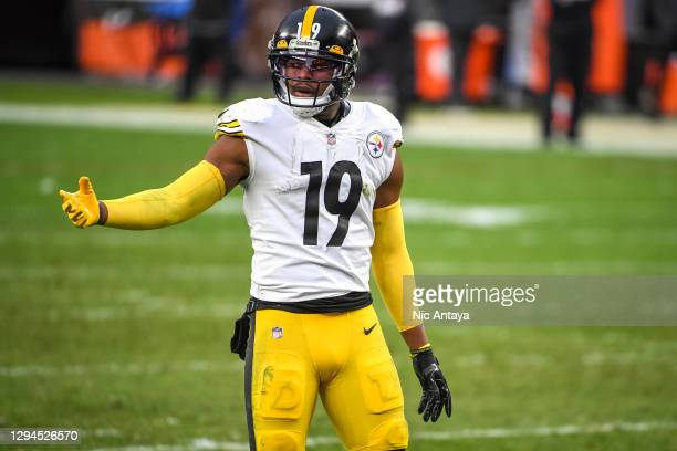 JuJu Smith-Schuster of the Pittsburgh Steelers lines up against the Cleveland Browns during the fourth quarter at FirstEnergy Stadium on January 03,...