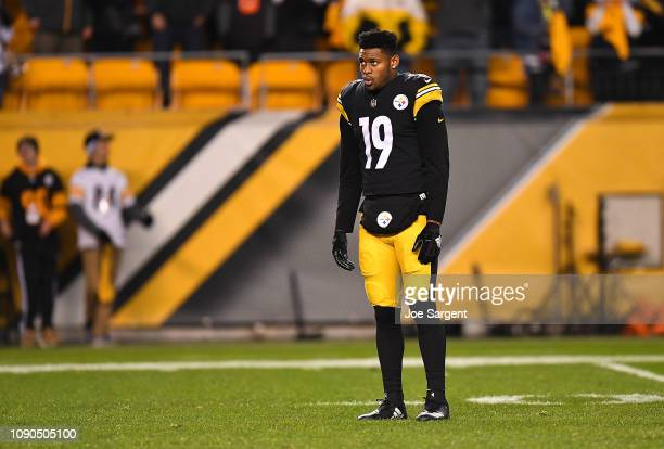 JuJu SmithSchuster of the Pittsburgh Steelers looks on during the game against the Cincinnati Bengals at Heinz Field on December 30 2018 in...