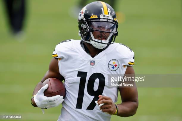 JuJu Smith-Schuster of the Pittsburgh Steelers runs a drill during warmups before the game against the Jacksonville Jaguars at TIAA Bank Field on...