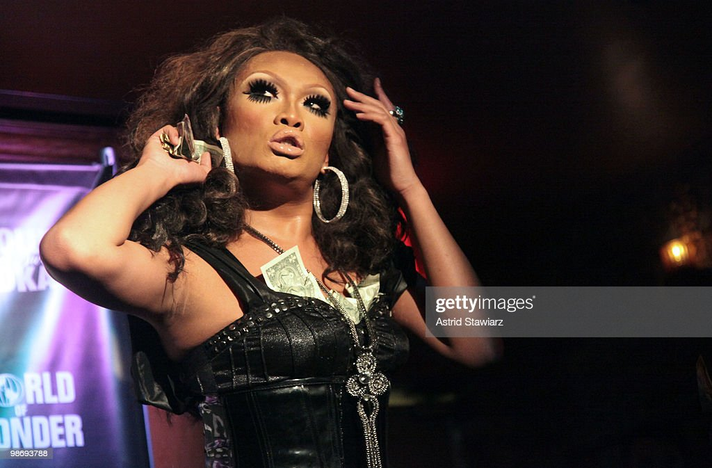 Jujubee Performs During Logos Rupauls Drag Race Finale At Therapy