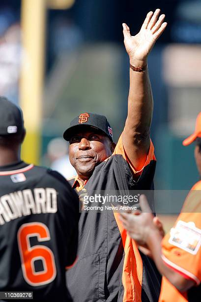 Jul 09 2007 San Francisco CA USA Giants great WILLIE MCCOVEY greets the fans before the derby The 2007 State Farm Home Run Derby takes place at ATT...