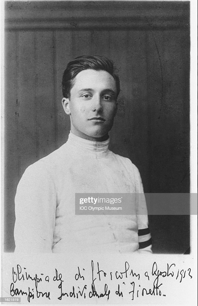Portrait of Nedo Nadi of Italy, a competitor in the Fencing Individual Foil event : News Photo