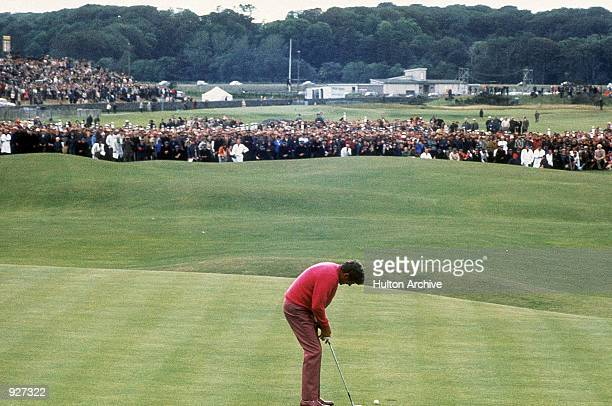 Doug Sanders of the USA misses a short put on the 18th to lose his chance of winning the Open and finish as runner up during The Open 1970 held at St...