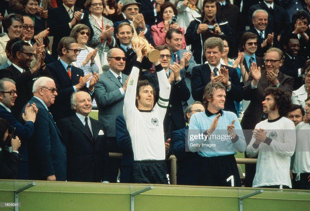 Franz Beckenbauer : News Photo