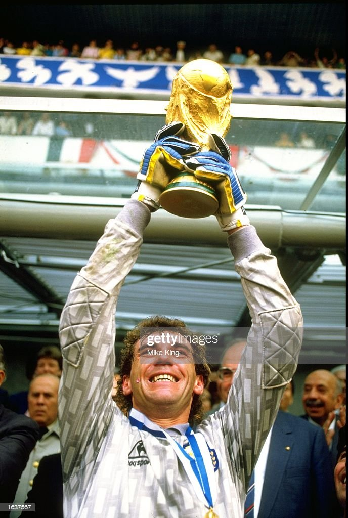 Argentinian goalkeeper Nery Pumpido holds the trophy aloft after the World Cup final against West Germany at the Azteca Stadium in Mexico City. Argentina won the match 3-2. \ Mandatory Credit: Mike King/Allsport