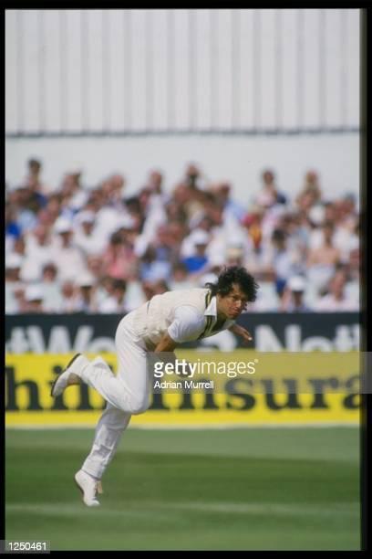 Imran Khan bowls for Pakistan in the 3rd Test between England and Pakistan at Headingley. Mandatory Credit: Adrian Murrell/Allsport UK