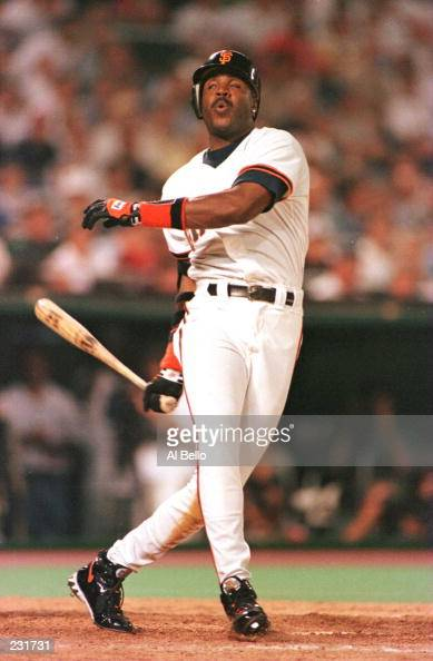 Barry Bonds of the San Francisco Giants and the National League ...