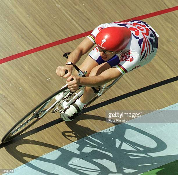 Graeme Obree of Great Britain in action during the preliminaries of the men''s individual pursuit at the Olympic Velodrome at Stone Mountain,...