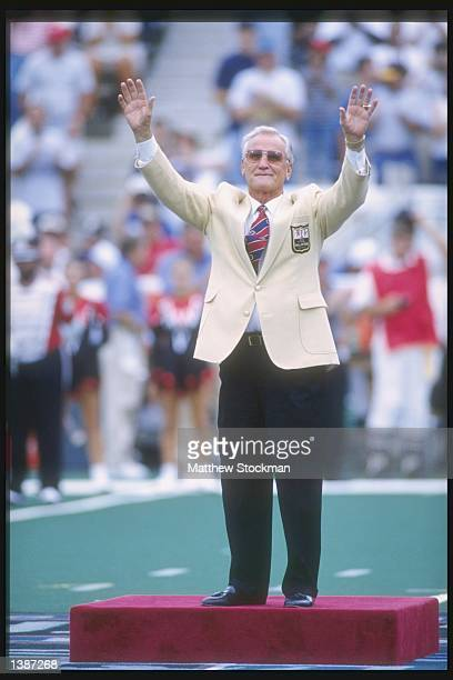 Hall of Fame inductee Don Shula waves to the crowd before the Hall of Fame game between the Seattle Seahawks and the Minnesota Vikings at Fawcett...