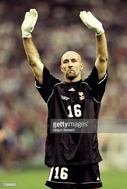Fabien Barthez of France salutes the crowd after the World Cup semifinal against Croatia at the Stade de France in St Denis France won 21 Mandatory...