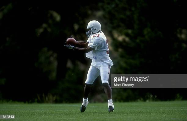 Wide receiver Eric Metcalf of the Arizona Cardinals in action during the 1998 Arizona Cardinals training camp at the Northern Arizona University in...
