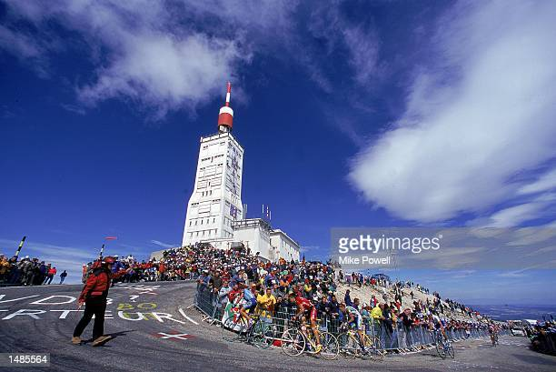 A general view of the bikers during Stage 12 from Carpentras to Mount Ventoux France of the Tour de FranceMandatory Credit Mike Powell /Allsport