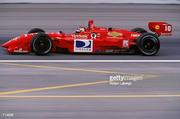 Driver Memo Gidley of the USA who drives the Toyota Reynard 2KI for Della Penna Motorsports is racing during the Target Grand Prix part of the 2000...