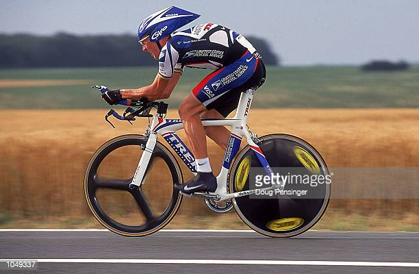 Lance Armstrong of the USA and the US Postal team rides in Stage 1 Time Trial of the 2000 Tour De France in Futuroscope France Mandatory Credit Doug...