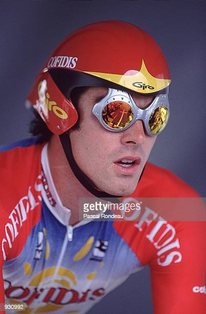 Portrait of David Millar of Great Britain during the Prologue of the Tour De France 2001 in Dunkerque France Mandatory Credit Pascal Rondeau/Allsport