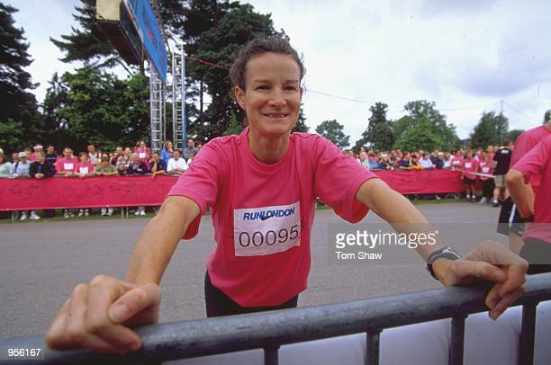 Sonia O'sullivan takes part in the Nike 10K Run at Kew Gardens in London Mandatory Credit Tom Shaw /Allsport