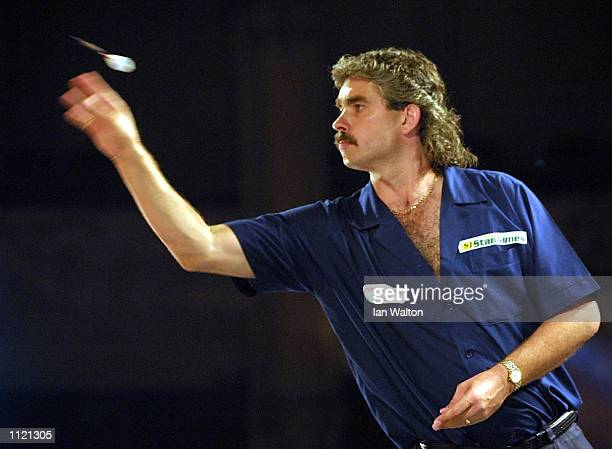 Steve Beaton in action during the PDC Stan James World Matchplay at the Winter Gardens Blackpool DIGITAL IMAGE Mandatory Credit Ian Walton/ALLSPORT