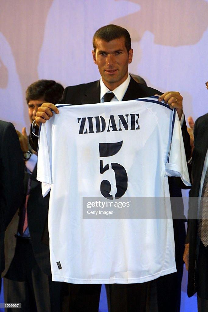 Zidane Press Conf X : News Photo