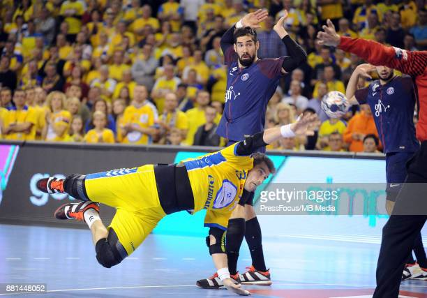Julen Akizu Aguinagalde Nikola Karabatic during the EHF Men's Champions League Game between PGE Vive Kielce and PSG Handball on November 26 2017 in...