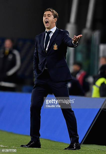 Julen Lopetegui coach of Spain reacts during the FIFA 2018 World Cup Qualifier between Italy and Spain at Juventus Stadium on October 6 2016 in Turin...