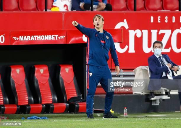 Julen Lopetegui, Head Coach of Sevilla gives his team instructions during the La Liga Santander match between Sevilla FC and C.A. Osasuna at Estadio...