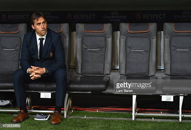 Julen Lopetegui manager of FC Porto looks on during the UEFA Champions League Quarter Final Second Leg match between FC Bayern Muenchen and FC Porto...