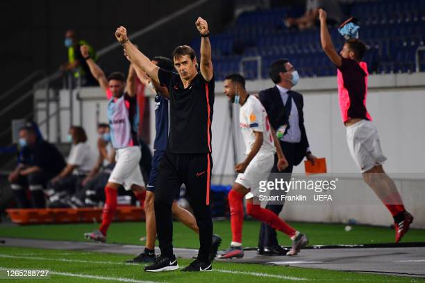 Julen Lopetegui, Manager of Sevilla celebrates following the UEFA Europa League Quarter Final between Wolves and Sevilla at MSV Arena on August 11,...