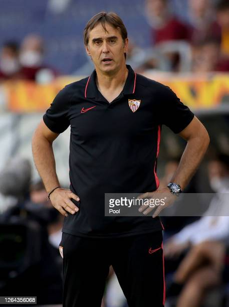 Julen Lopetegui, Manager of Sevilla reacts during the UEFA Europa League round of 16 single-leg match between Sevilla FC and AS Roma at MSV Arena on...