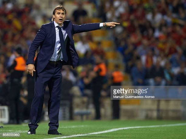 Julen Lopetegui manager of Spain reacts during the FIFA 2018 World Cup Qualifier between Spain and Albania at Rico Perez Stadium on October 6 2017 in...