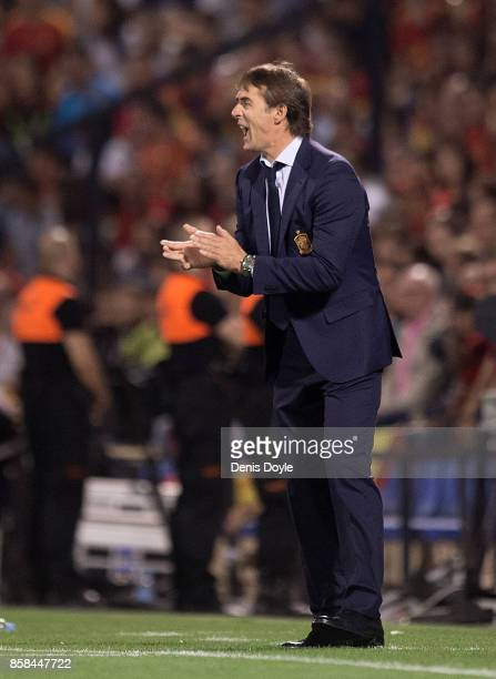 Julen Lopetegui manager of Spain urges on his side during the FIFA 2018 World Cup Qualifier between Spain and Albania at Estadio Jose Rico Perez on...
