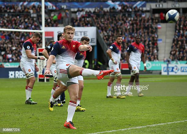 Jules Plisson of France in action during the RBS 6 Nations match between France and Italy at Stade de France on February 6, 2016 in Saint-Denis...