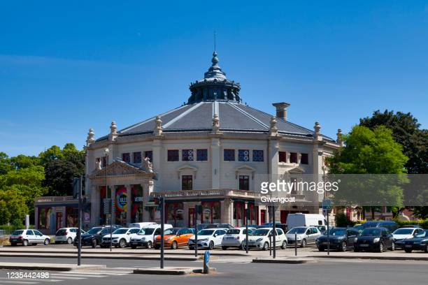 jules verne circus in amiens - gwengoat stock pictures, royalty-free photos & images
