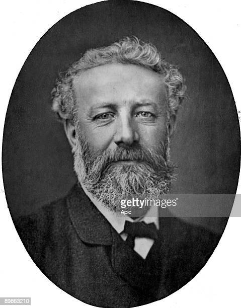 Jules Verne French novelist photograph by Nadar