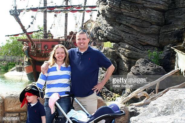 Julia Biedermann Ehemann Matthias Steffens Sohn Julius Matthias Steffens Sohn Matthias Arnold Nicolaus Kieran Steffens Disneyland Resort Paris...