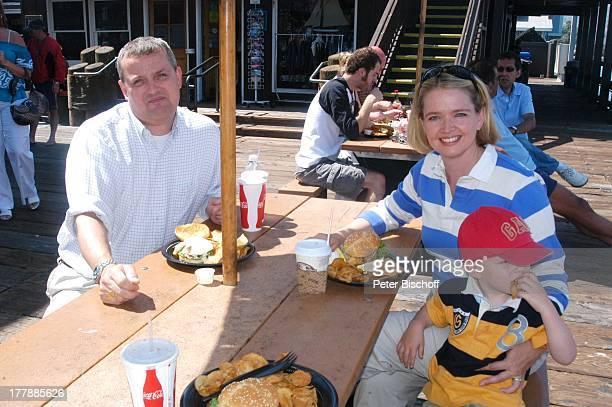 """Julia Biedermann , Ehemann Matthias Steffens, Sohn Julius, Touristen, Ausflug nach Santa Barbara, """"Stearns Wharf"""", Steg an der """"Santa Barbara..."""