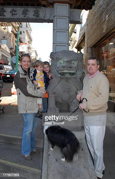 Julia Biedermann Ehemann Matthias Steffens Sohn Matthias Arnold Nicolaus Kieran Steffens Sohn Julius Matthias Steffens Hund 'Jet' China Town Eingang...