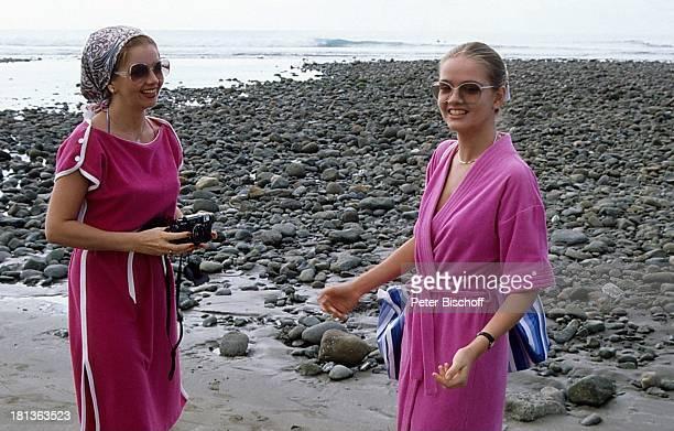 Julia Biedermann Mutter Borgi Biedermann am Rande der Dreharbeiten zur ZDFSerie 'Ich heirate eine Familie' Folge 'Schumanns Winterreise'...