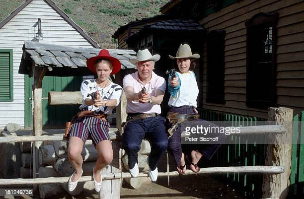 "Julia Biedermann, Peter Weck, Thekla Carola Wied, , , Western-Dorf: ""Sioux City"", Gran Canaria, ZDF-Serie: ""Ich heirate eine Familie"", Folge:..."