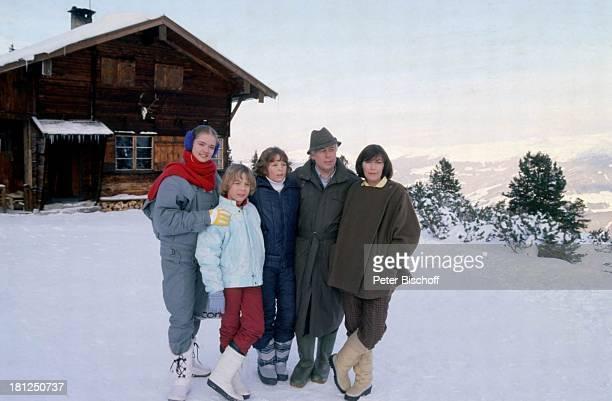 "Julia Biedermann, Tarek Helmy, Timo Niessner, Peter Weck, Thekla Carola Wied, , , Mayrhofen, Tirol, ZDF-Serie: ""Ich heirate eine Familie"", Folge:..."