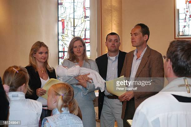Julia Biedermann Tina Biedermann mit Julius Steffens Ehemann Matthias Steffens Dirk Pähler Pfarrkirche Christ König Adendorf